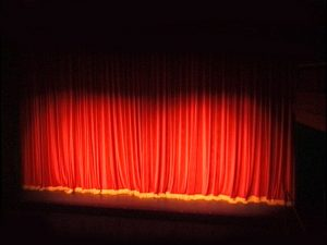 theatre-curtain-1470081-640x480